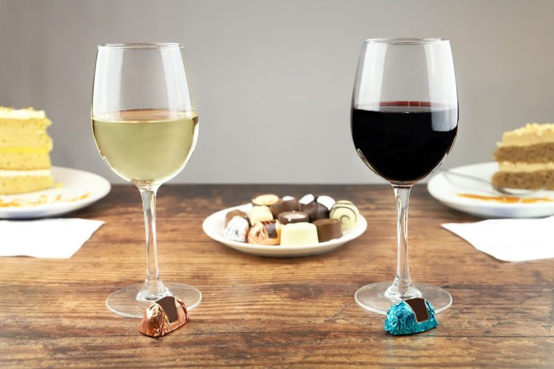 wine glasses with chocolate