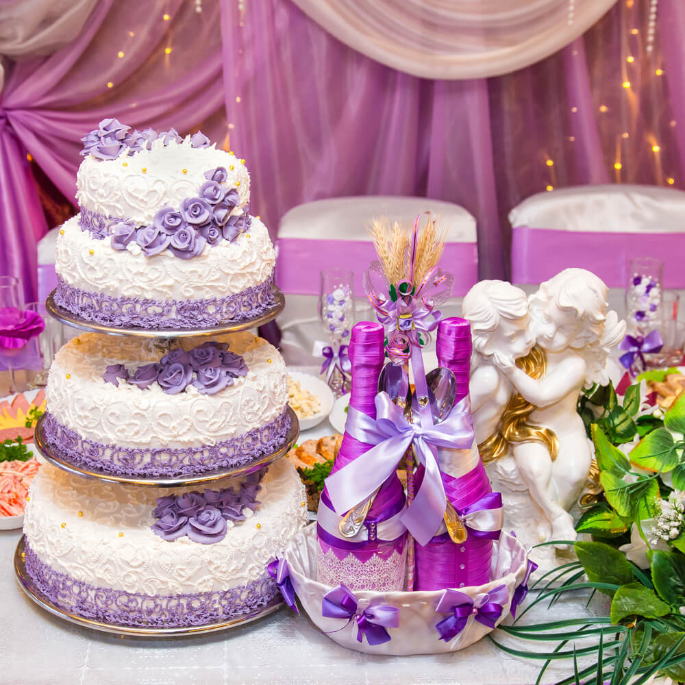 Cakes with perfectly leveled layers
